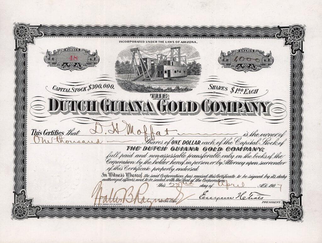 Die Dutch Guiana Gold Company, Aktie von 1907. Die Gesellschaft wurde gegründet 1906 für den Betrieb von Goldminen auf Surinam in Südamerika. Die Aktie wurde ausgestellt auf und ist rückseitig eigenhändig signiert von David Halliday Moffat (1839-1911), bedeutender Bankier in Denver, Colo., machte ein Vermögen mit Grundstücks- und Goldminenspekulationen, förderte den Eisenbahnbau in Colorado. Er war Gründer der Denver, Northwestern & Pacific RR, die die Moffat Route betrieb, die bekannteste und beliebteste Eisenbahnstrecke der USA.