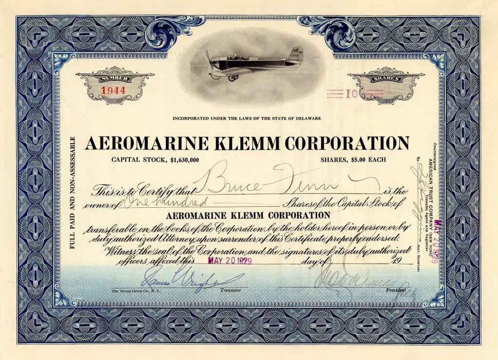 Aeromarine Klemm Corporation, historische Aktie von 1930. Die Firma produzierte vor allem Seeflugzeuge für das Militär und Flugboote, von denen das bemerkenswerteste die Aeromarine 700 war, ein experimenteller Torpedo-Bomber, der erstmals 1917 aufstieg. Bei Gründung der Aeromarine Klemm war außerdem verkündet worden, daß in Keyport unter strengster Geheimhaltung ein neues Riesen-Flugzeug gebaut worden war: Eine Ganzmetallkonstruktion mit einziehbarem Fahrwerk, 2-motorig, 17 Fuß lang und 11 Fuß breit mit einer Flügelspannweite von 89 Fuß. Das Flugzeug war von solcher Eleganz, daß es den Zuschauern am Boden während des Fluges als ein gigantischer Flügel erschien.